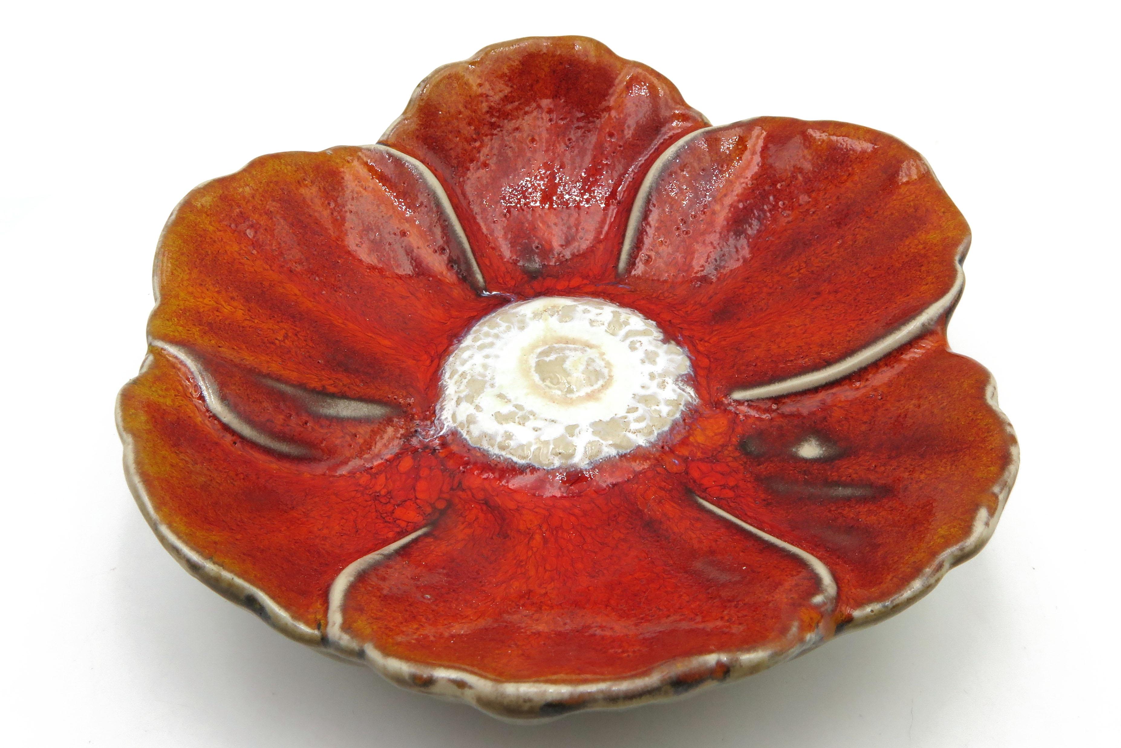 Frühlingsbote Mohnblume Insektentränke Vogeltränke Keramik mohnrot
