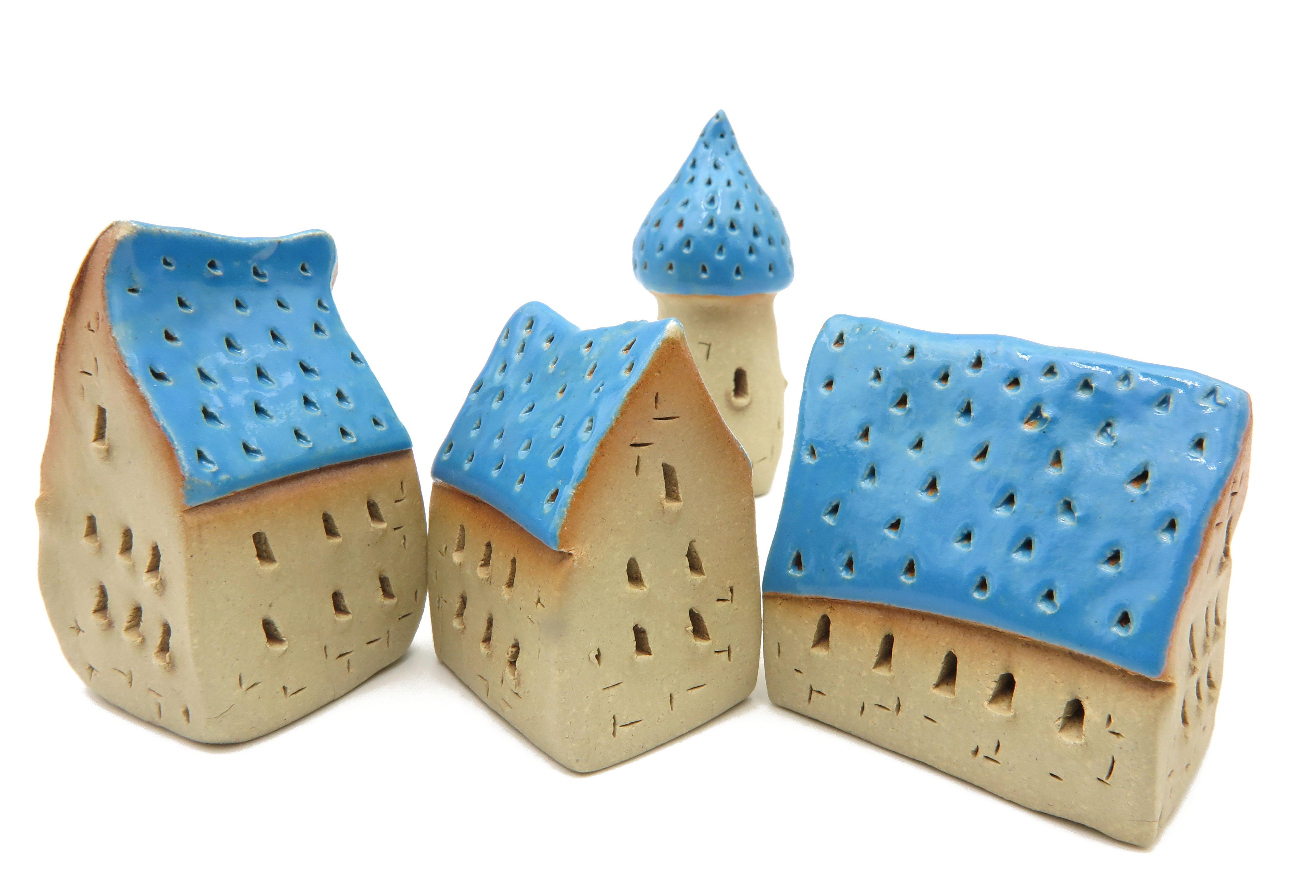 Schiefes Häuschen Blau / M 6 cm