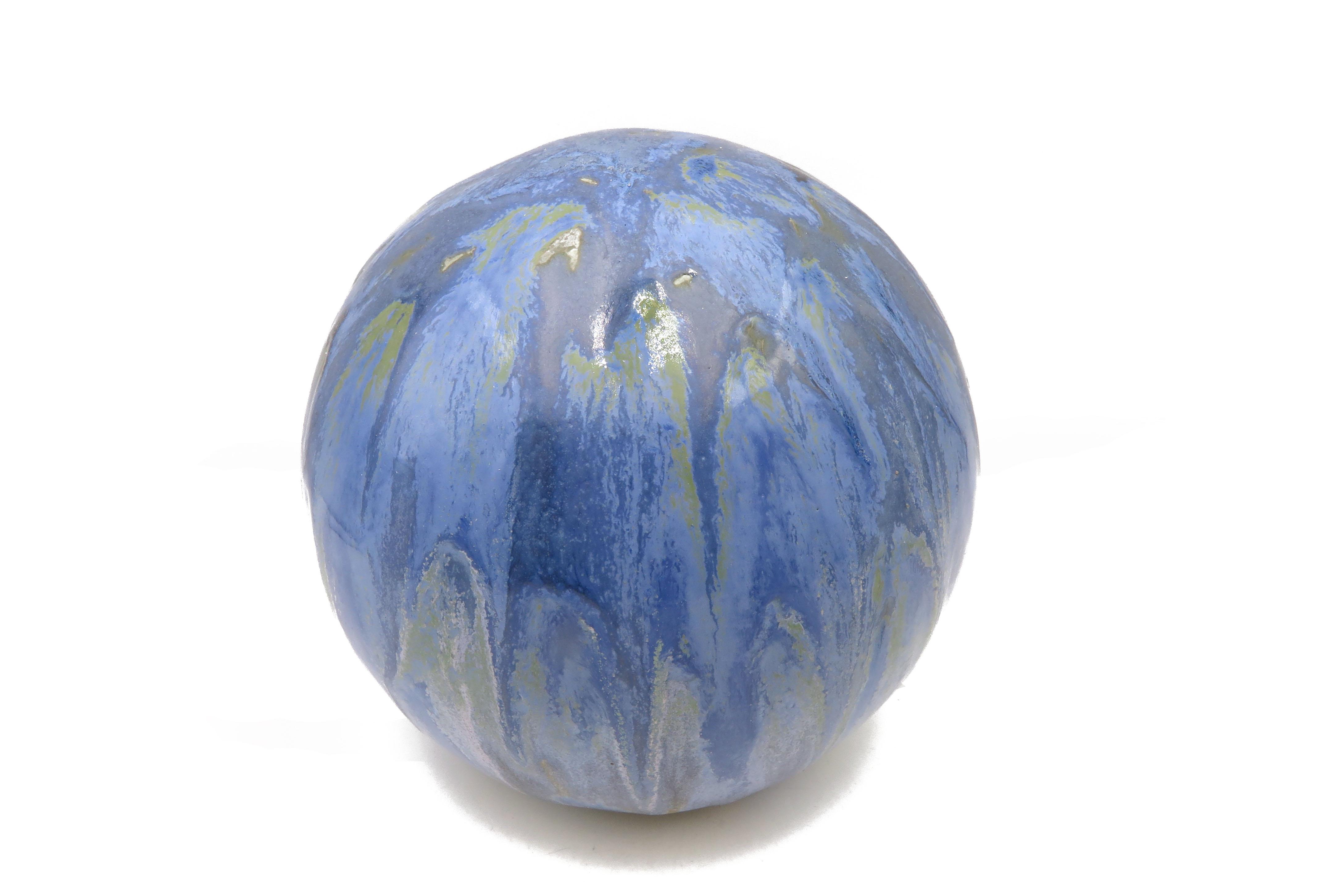 Kugel in fließenden Blau  / S 17cm